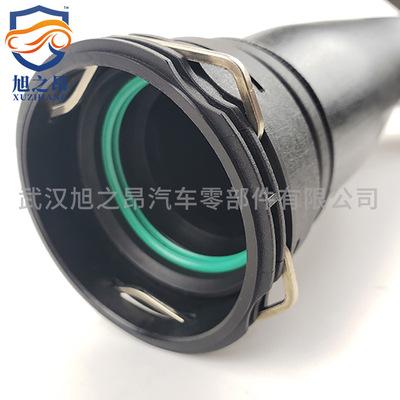 适用宝马X1E84涡轮增压管Z4E89充气导向件空气导管OEM13717588283